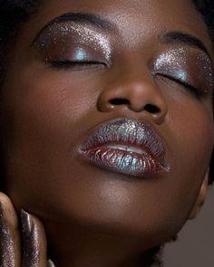 We go full glam for Pride. Glitterfy yourself! Dark Skin Makeup, Lip Makeup, Beauty Makeup, Hc Hair, Festival Makeup, Makeup Techniques, Pink Eyes, Girls Makeup, Makeup Inspiration