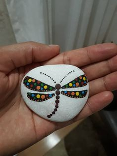 50 Best Painted Rocks Ideas, Weapon to Wreck Your Boring Time - SalvabraniUnique Rock painting Design You Can Imitate for Beginners - Salvabrani Rock Painting Patterns, Rock Painting Ideas Easy, Dot Art Painting, Rock Painting Designs, Mandala Painting, Stone Painting, Art Art, Pebble Painting, Mandala Painted Rocks