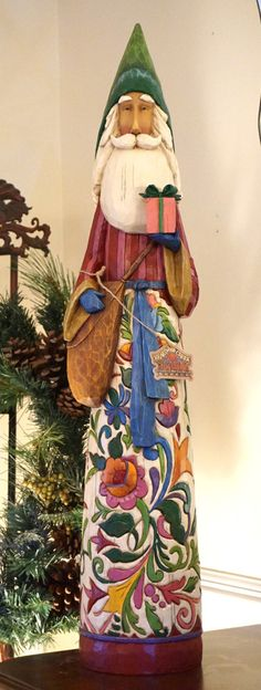 Let the spirit of the holidays shine in your home with a lovely, festive figurine. Jim Shore Christmas, Father Christmas, All Things Christmas, Christmas Holidays, Christmas Ideas, Green Santa, Santa Decorations, Santa Pictures, Painted Gourds