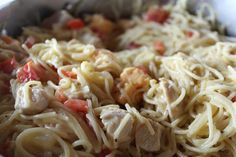 When the weather cools down, you know it's time to find the perfect comfort food recipe. Here's our list of soups, pasta, potatoes, and dumplings that will warm you up. Pasta Dishes, Food Dishes, Main Dishes, Rice Dishes, Chicken Spaghetti Recipes, Chicken Recipes, Pasta Recipes, Chicken Spagetti, Recipe Chicken