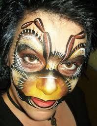 face paint bee - Google zoeken / Now that's a bee!