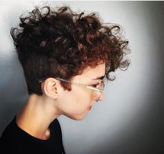 Trendy Short Hair Cuts for Women: Best Short Hairstyles Inspiration Short Wavy Haircuts, Short Curly Hair, Curly Hair Styles, Shaved Curly Hair, Short Wavy Hairstyles For Women, Bob Short, Curly Pixie Cuts, Short Curls, Curly Bob