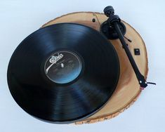 DIY Idea: Wood Slice Turntable