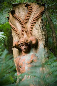 William Ricketts self portrait sculpture with totem Lyrebird tail feathers at William Ricketts Sanctuary (lush fern forest) : Olinda, Mount Dandenong Commonwealth, Fern Forest, Yarra Valley, Tree Carving, Victoria Australia, Oeuvre D'art, Amazing Art, Mystic, Illustration