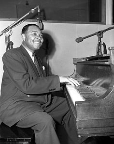 DJ Chrisbe's Song of the Week #191: Roll On, Katy by Jay McShann with Jimmy Witherspoon (1946) http://swingdjresources.com/jay-mcshann-roll-on-katy/ #djcsotw #blues