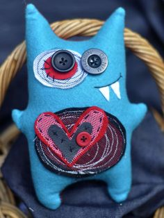 Don't you love a monster with a heart? Felt Monster, Monster Dolls, Sewing Toys, Sewing Crafts, Sewing Projects, Felt Crafts, Fabric Crafts, Ugly Dolls, Sock Dolls