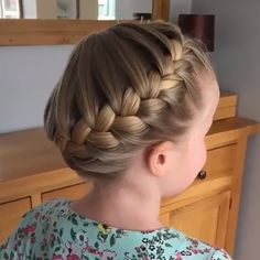 Source by mailinweishaupt Related posts: The French Crown Braid tutorial! ✨ Half Up French Braid Crown Das French Crown Braid Tutorial! Beautiful Hairstyle For Girl, Beautiful Braids, Beautiful Hairstyles, Braid Crown Tutorial, Crown Braid Tutorials, Hairstyle Tutorials, Braided Bun Hairstyles, Curly Hairstyles, Braided Buns