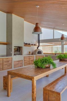✔️ 48 Great Outdoor Kitchen Cabinets Decorating Ideas Are Essential To Outdoor Kitchen Layout 46 Outdoor Kitchen Design, Kitchen Decor, Outdoor Kitchens, Kitchen Ideas, Kitchen Bars, Cozy Kitchen, Kitchen Layout, Moderne Pools, Summer Kitchen