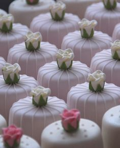 Antique Rose mini cakes by Maisie Fantaisie - so everybody has their own individual cake!