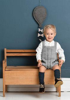 1702 Smårollinger. Strikket Knapperomper Knitting For Kids, Knitwear, My Design, Chair, Furniture, Home Decor, Arrow Keys, Close Image, Patron Robe