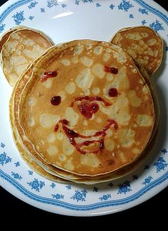 Winnie the pooh pancakes by wiredrawndetails.deviantart.com