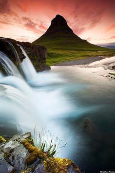 Mt. Kirkjufell in Grundarfjordur, west Iceland
