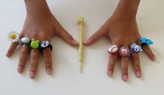 Rainbow Loom Ring Tutorial ~ How to make Rainbow Loom Rings with button attachments.