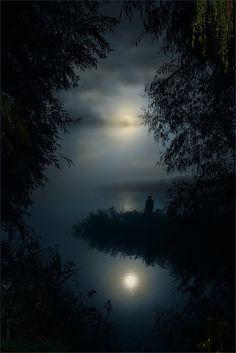 ideas nature night moonlight la luna for 2019 Beautiful Moon, Beautiful World, Beautiful Places, Beautiful Pictures, Shoot The Moon, All Nature, Nature Images, Belle Photo, Night Skies