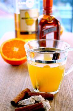 Toddy med rom, appelsin, appelsinlikør og krydder