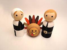 Thanksgiving Pilgrim Turkey Peg Doll Set / Peg People Peg Family Thankful Harvest Gathering Home Decoration Wooden Pegs, Wooden Crafts, Dog Crafts, Wooden Spools, Wood Peg Dolls, Clothespin Dolls, Wood Toys, Thanksgiving Crafts, Fall Crafts