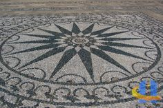 Pebble mosaics at Patrick Leigh Fremor's House in Kardamyli, Greece. Pebble Floor, Pebble Mosaic, Mosaic Art, Mosaic Patterns, Tile Art, Indoor Plants, Outdoor Gardens, Art Decor, Stained Glass
