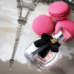 A fragrance for the passionate and confident woman. The scent you can find here: https://www.flaconi.de/parfum/yves-saint-laurent/mon-paris/yves-saint-laurent-mon-paris-eau-de-parfum.html?som=pinterest.post.flaconi_stuff_to_buy_160902.