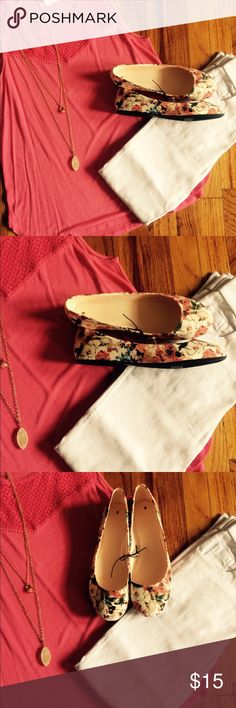NWT Floral Flats NWT Floral flats, size 8. These have never been worn, stickers still on the shoes. Perfect for spring! ✅OFFER Below✅ 🚫TRADES🚫 Shoes Flats & Loafers