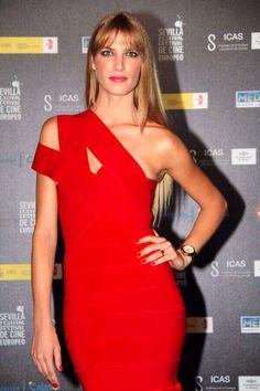 @laura sanchez Laura Sanchez A su llegada a la #gala del #Festival de #Cine #Europeo de #Sevilla 2013 ~ #estilo #style #stile #laurasanchez #moda #fashion #glamour #chic #celebrities #celebrity #top #cinema #loveit #megusta #cool #great #nice