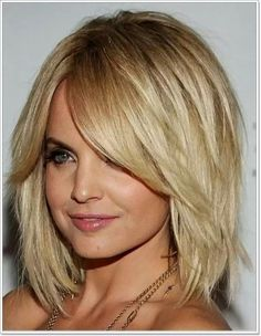 Medium Layered Hair With Bangs – Medium Length Hair Stylesmedium Inside Medium Length Choppy Hair Intended For Current Beauty Medium Length Hair With Layers, Medium Layered Hair, Medium Long Hair, Medium Hair Cuts, Medium Hair Styles, Short Hair Styles, Long Layered, Ponytail Styles, Layered Haircuts For Medium Hair Round Face