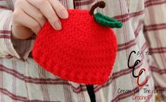 Cream of the Crop Crochet~Preemie/Newborn Apple Hat {paid #crochet pattern} #handmade
