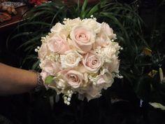 http://www.lemienozze.it/gallerie/foto-bouquet-sposa/img30182.html Bouquet sposa di rose rosa