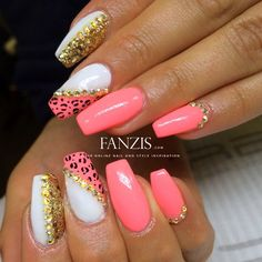 neon coral nails with gold nailart and leoprint in our nailgallery at www.fanzis.com by @Taraasnaglar (instagram)