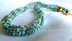 Collar de Kumihimo Remolino verde 20 pulgadas por TheBeckoningCat