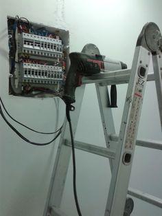 Dicas do Gilson Eletricista: Vídeos Eletrizantes: Eletricista leva choque e cai...
