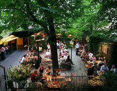 Garden of restaurant Silberwirt Wiener Schnitzel, Vienna Restaurant, Vienna Woods, Bars And Clubs, World Cities, Budapest Hungary, European Travel, Garden Styles, Places To Travel
