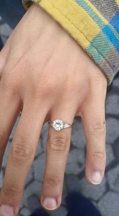 Beautiful classic solitaire engagement ring. <3