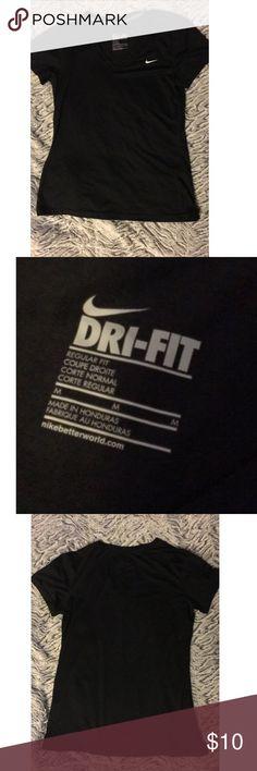 🎉🎉NIKE T SHIRT🎉🎉 Black Nike t shirt. Size M. Nike Tops Tees - Short Sleeve