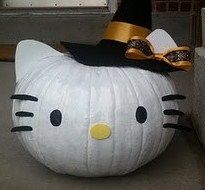 hello kitty painted pumpkin