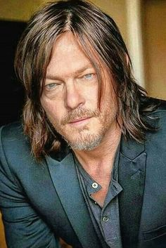 For every walking dead fan, there is a Daryl Dixon! Carl The Walking Dead, Daryl Dixon Walking Dead, Daryl Twd, Norman Reedus, The Boondock Saints, Beautiful Men, Beautiful People, Tom Payne, Hollywood