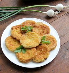 Dovlecei pane Ants, Curry, Food And Drink, Favorite Recipes, Chicken, Ethnic Recipes, Curries, Ant, Cubs