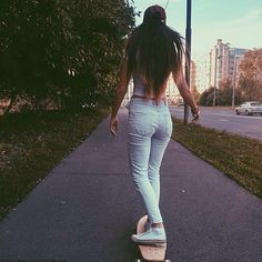 Nocturnal Abstract has the best Skateboard Pictures, Skateboard Girl, Skates, Selfies, Skate Photos, Skate Girl, Skate Style, Longboarding, Skateboards
