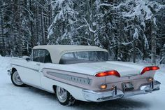 I seriously fancy this design for this classic chevy convertible Vintage Cars, Antique Cars, Convertible, Edsel Ford, Counting Cars, 50s Cars, Ford Classic Cars, Ford Motor Company, Car Show