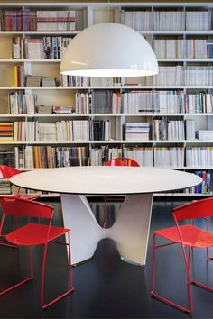 For Sale on - Table with aluminium base composed of two shell-cast pediments spanned by an extruded elliptical beam. Available in various sizes matching the base dimensions Aluminum Table, Glass Table, Dining Room Table, Beams, Sweet Home, Contemporary, Furniture, Design, Shell