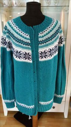Nancy-kofte strikket i Sisu