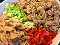 MALENESmaktMAT: NORGES BESTE PASTASALAT Pasta Salat, Food Porn, Food And Drink, Chicken, Meat, Dinner, Ethnic Recipes, Suppers, Buffalo Chicken