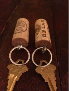 Llavero de corcho del vino