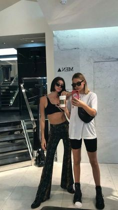 Gli Arcani Supremi (Vox clamantis in deserto - Gothian): Top fashion trends for teens and young women in 2019 Fashion Killa, Look Fashion, Fashion Outfits, Womens Fashion, Fashion Trends, Ladies Fashion, Fashion Clothes, Spring Fashion, Fashion Tips
