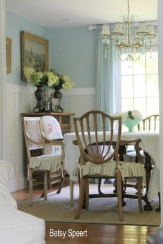 "Gorgeous walls!  Beautiful country cottage photos in ""How to Create a Flow of Color and Pattern in a Home"""