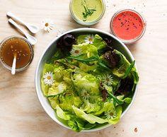 Blattsalat mit dreierlei Dressings
