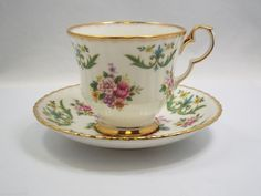 Royal Windsor Tea Cup & Saucer, 'Beaufort' pattern Fine Bone China England