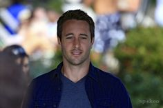 alex oloughlin images | Alex OLoughlin and Scott Caan from Hawaii Five-0 on location in ...