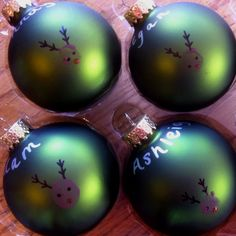 Christmas ornament craft. Great party craft.