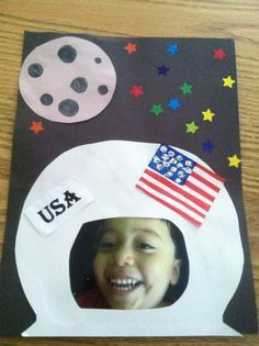 Astronaut craft, pre cut moon and flag. Would be good with Astronaut Handbook by Meghan McCarthy Space Preschool, Preschool Themes, Preschool Activities, Planets Preschool, Preschool Projects, Astronaut Craft, Astronaut Helmet, Art Activities, Toddler Activities