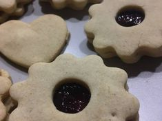 Gluténmentes kókuszkrémes piskótatekercs   Reka Zab-Ivanyi receptjeCookpad receptek Cookies, Desserts, Food, Crack Crackers, Tailgate Desserts, Deserts, Biscuits, Essen, Postres